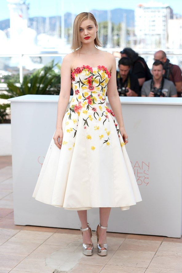 Bella Heathcourt in Giambattista Valli