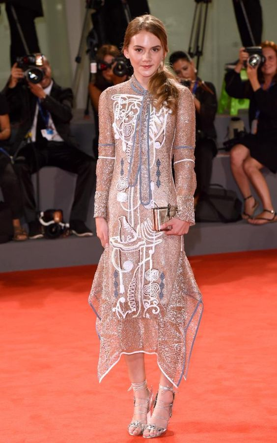 Emilia Jones in Peter Pilotto