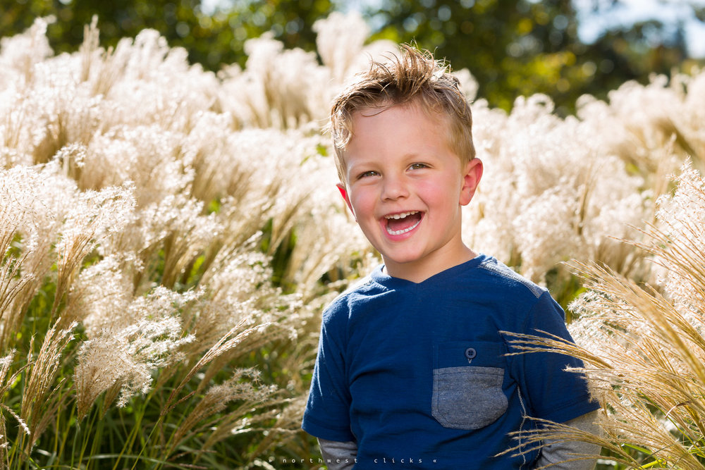A happy summer portrait - Sammamish, WA Children Photographer