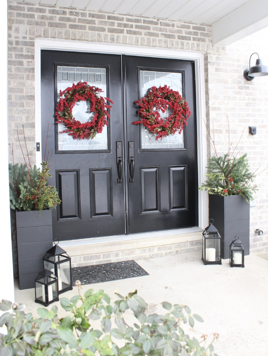 Christmas Porch- styling by Laura Design Co.