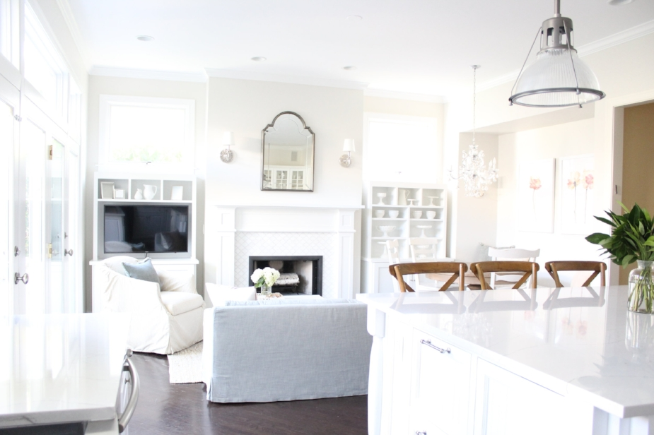 Classic White Kitchen - Laura Design Co. Chicago Interior Design