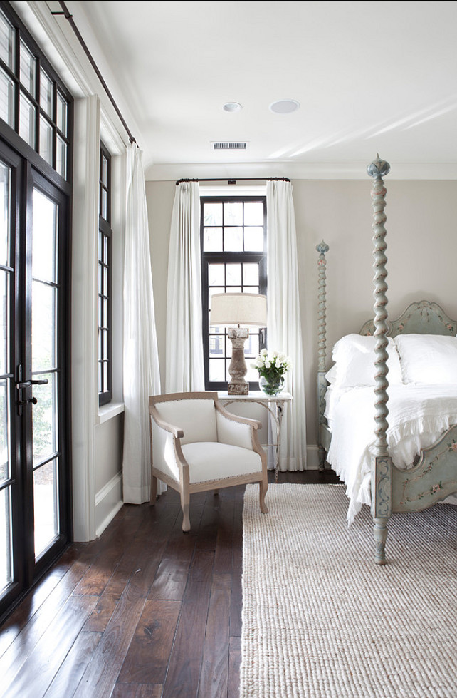 Design by  Jolene Smith Interiors , Image via  HomeBunch