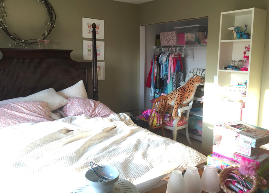 Tween girls room BEFORE- One Room Challenge