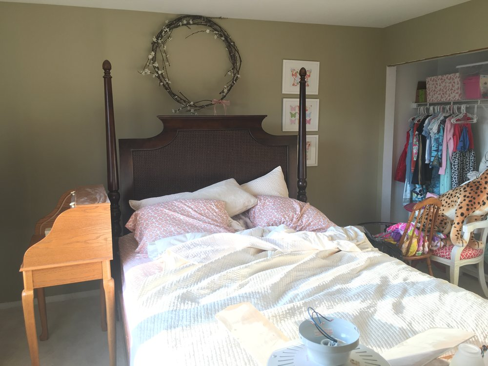 Laura Design Co. One Room Challenge Tween Girls Bedroom Makeover BEFORE