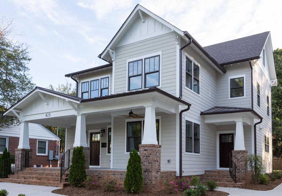 Home builders North Carolina- Timberline Homes, Interior Design by Laura Design Co., Photo by Hess Photo (Exterior paint Benjamin Moore Revere Pewter Siding + Chantilly Lace Trim)