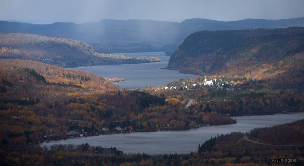 Rivière St-Maurice, Québec• Axel Drainville