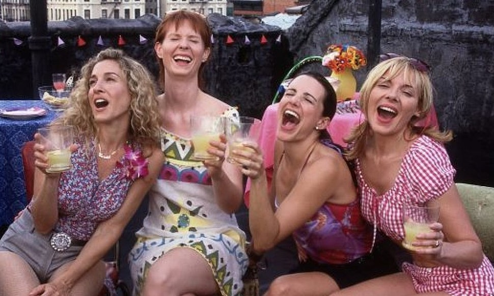 BRUNCH IS SO FUN WHEN YOU'RE CARRIE AND FRIENDS.