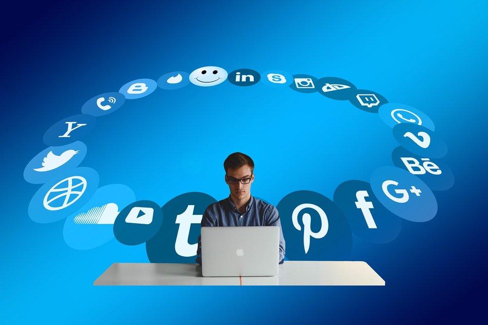 should i work in social media