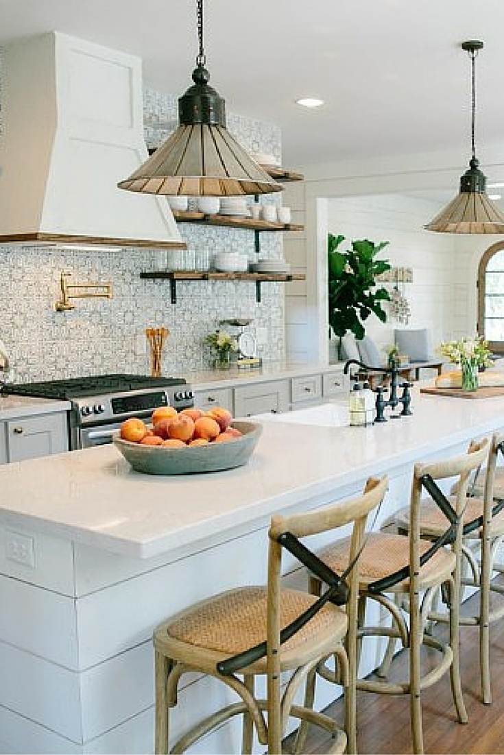 Favorite fixer upper makeovers bethany mitchell homes for Magnolia farms design ideas