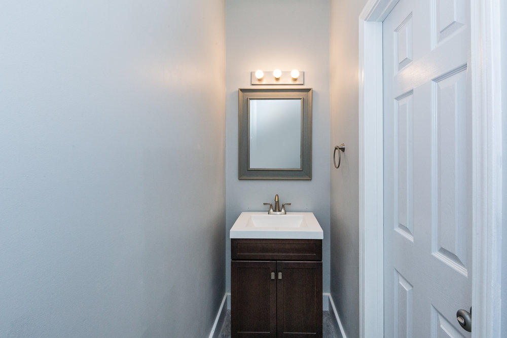 018_Powder Room .jpg