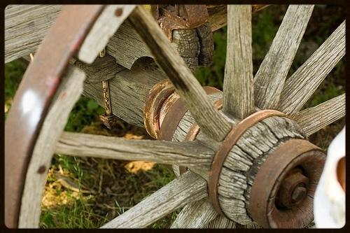 wagon.wheel.hub.jpg