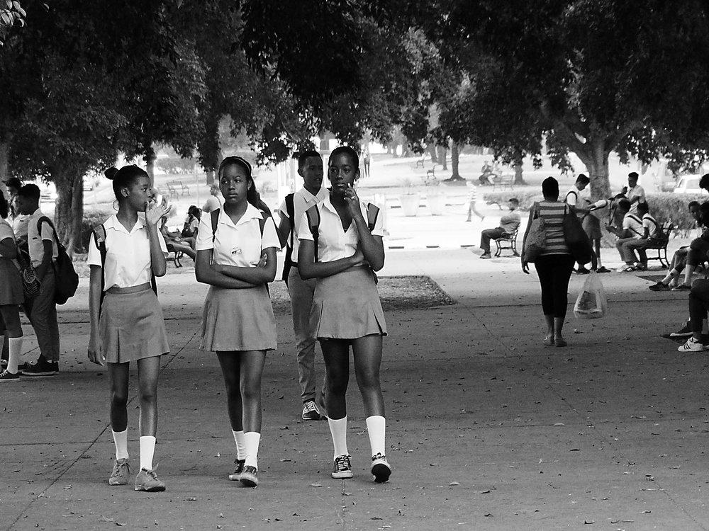 schoolgirlsbw.jpg