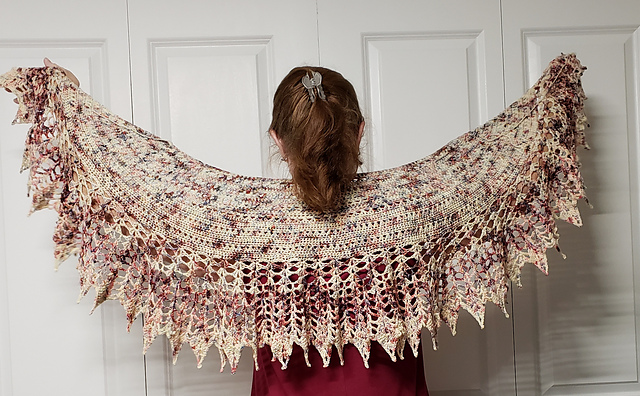 Queen Cercei - This design is by Kim Simpson and was part of a Game of Thrones KAL/CAL for Summer 2018.Requirements:Fingering (3 ½ ounce/100g, 437 yds/400 meters per skein). 2 skeins.**Please pay attention to the length of your selected yarn as different bases vary in length**  As shown:Queen Cercei on Deluxe SockFor custom colors/bases click HERE
