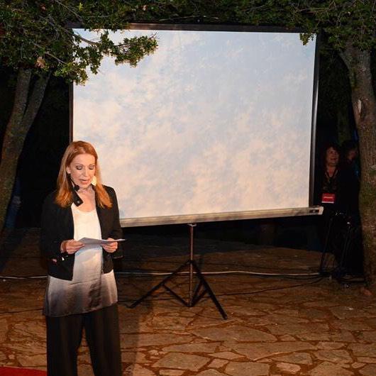 Η Πέμη Ζούνη, στη επίσημη έναρξη του #TEDxAnogeia! #Anogeia #Psiloritis #tedxhostess
