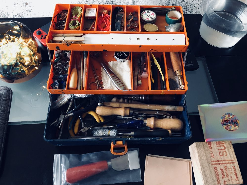Received some Leather working tools for christmas, have sorted them all into my tool box, looking forward to making use of them in 2018.