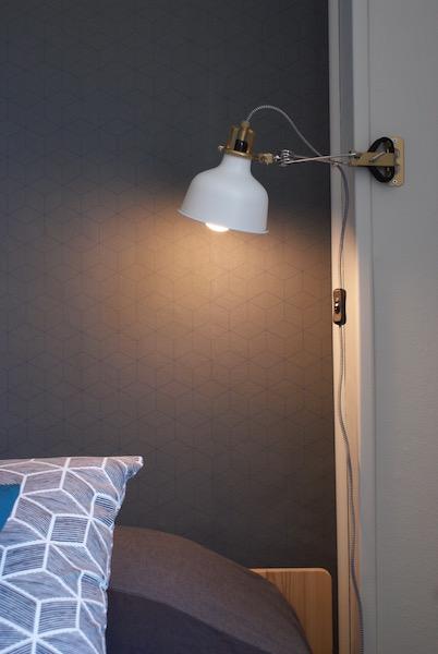 Décoration, aménagement petite chambre Paris 13 : lampe