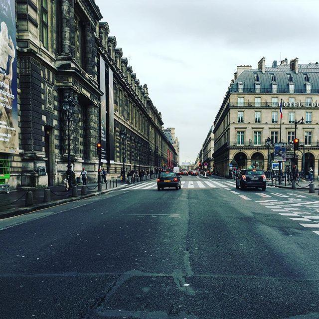 Paris... Toujours vide...
