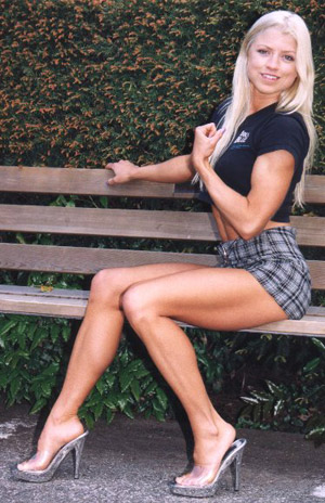 Fawnia Mondey, 1998