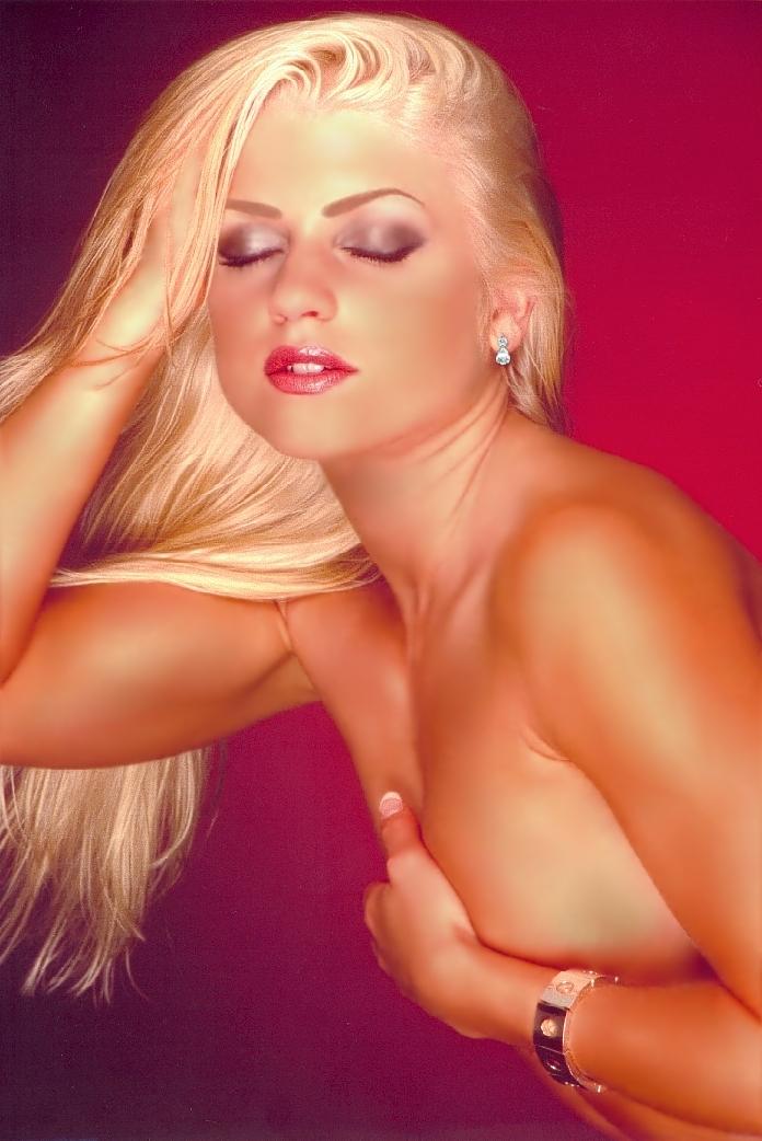 ToplessWinda.jpg