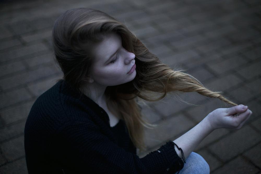nighttime photo shoot hair roof web.jpg