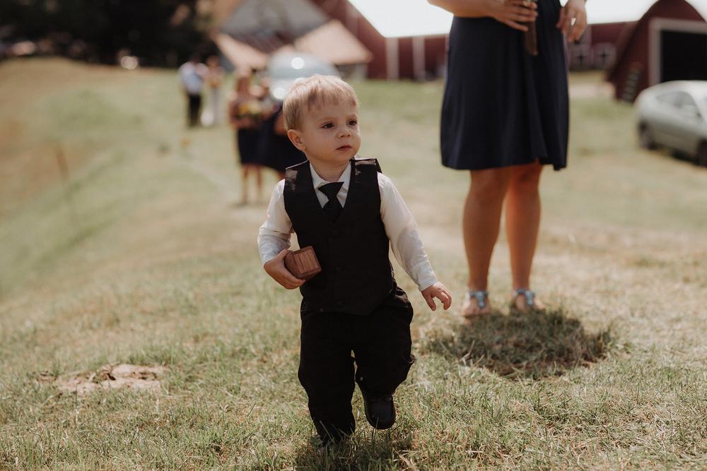 vermont-wedding-photographer-outdoor-farm-wedding-2.jpg
