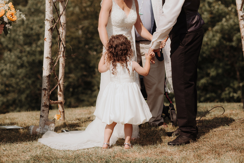 vermont-wedding-photographer-outdoor-farm-wedding-21.jpg