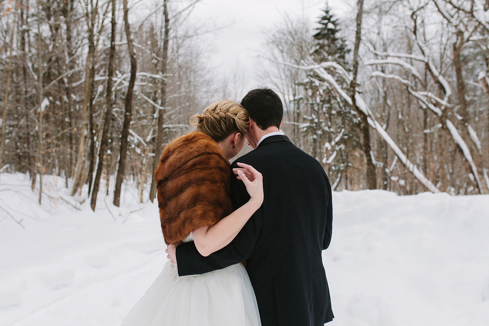 outdoor winter vermont wedding web.jpg