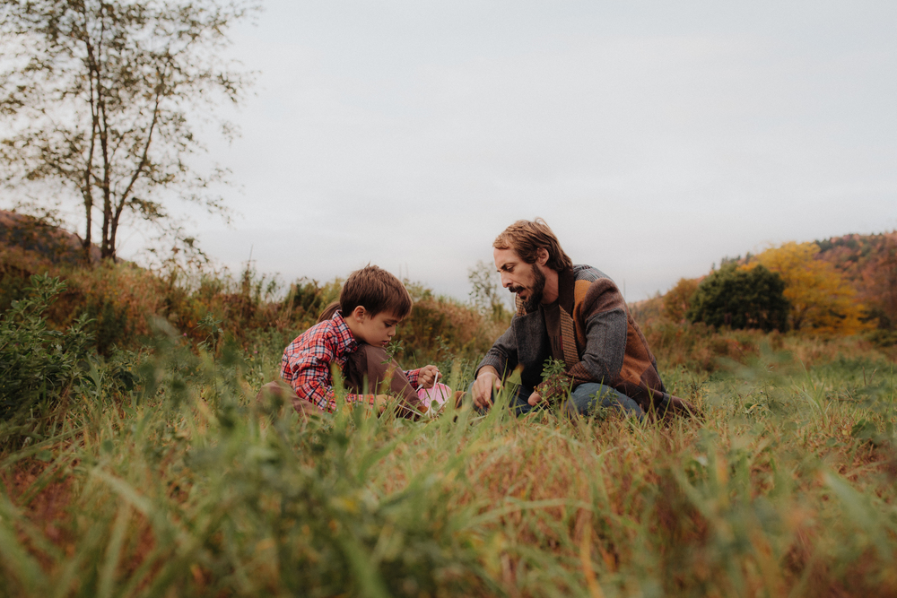 vermont-father-son-family-portraits-outdoor-learning.jpg