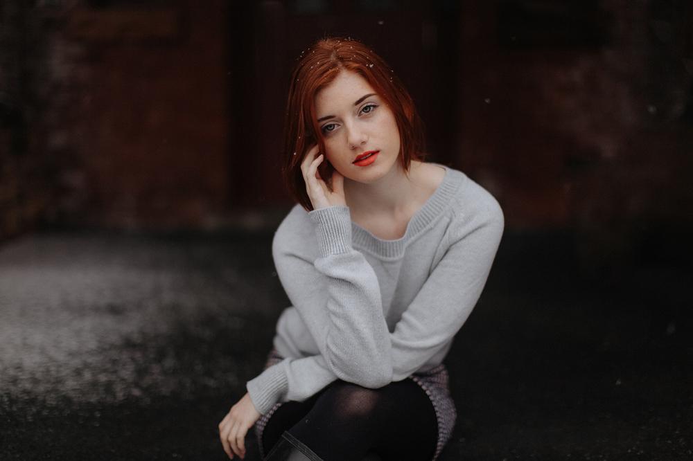 red-head-girl-snow-winter-vermont-photographer-web.jpg