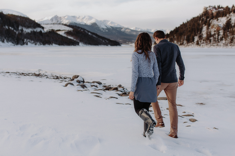 lake-dillon-colorado-couple-maternity-photos-19.jpg