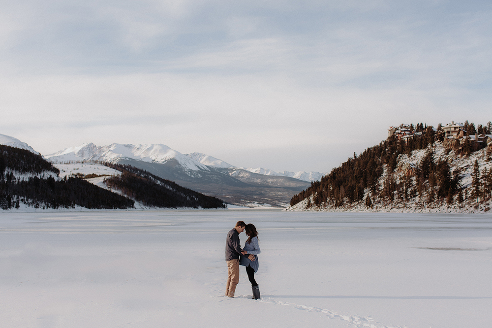 lake-dillon-colorado-couple-maternity-photos-21.jpg