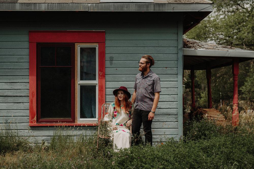 018-jones-max-colorado-ranch-engagement-photos.jpg