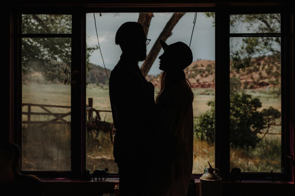 022-jones-max-colorado-ranch-engagement-photos.jpg