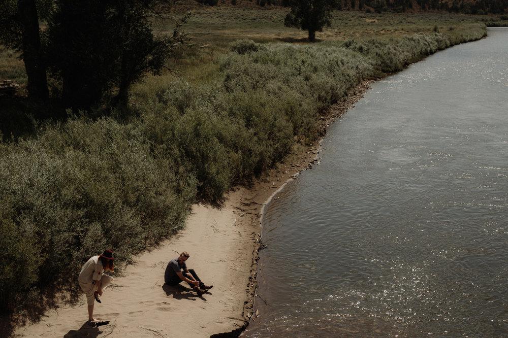 042-jones-max-colorado-ranch-engagement-photos.jpg