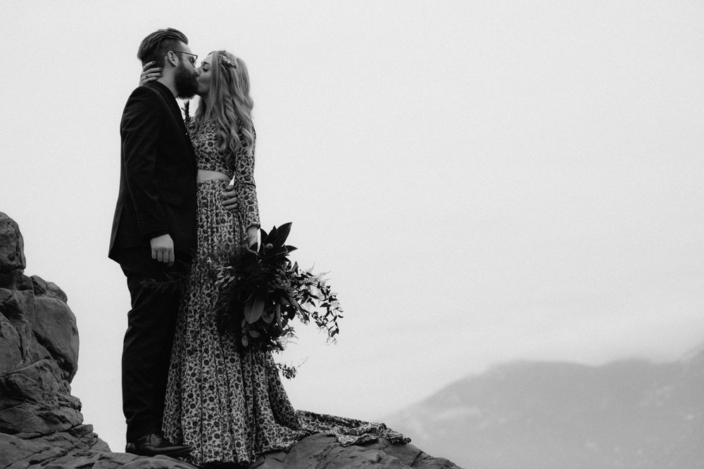 garden-of-the-gods-winter-wedding-jones-max-42.jpg