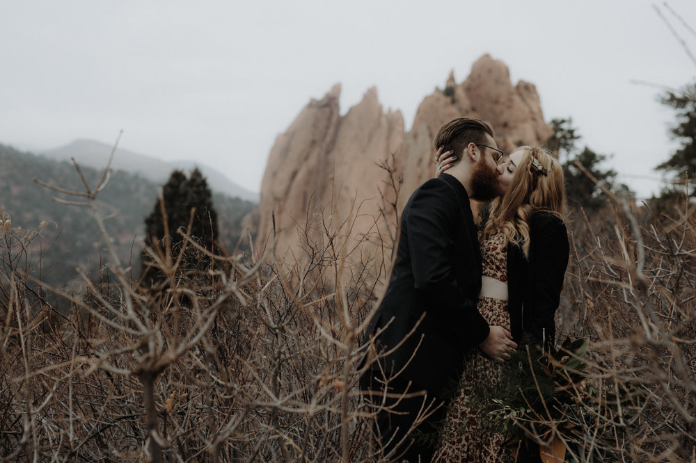 garden-of-the-gods-winter-wedding-jones-max-49.jpg