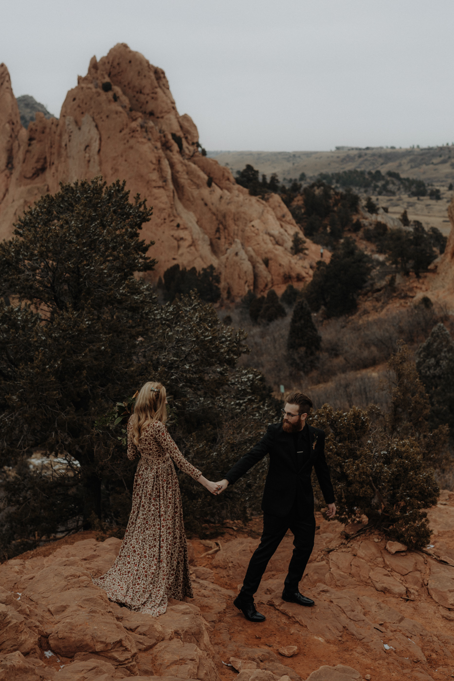 garden-of-the-gods-winter-wedding-jones-max-45.jpg