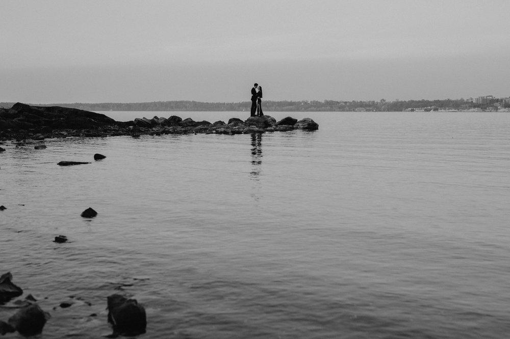 burlington-vermont-waterfront-couple-portraits-10.jpg
