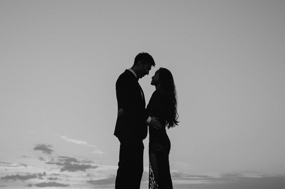 burlington-vermont-waterfront-couple-portraits-13.jpg