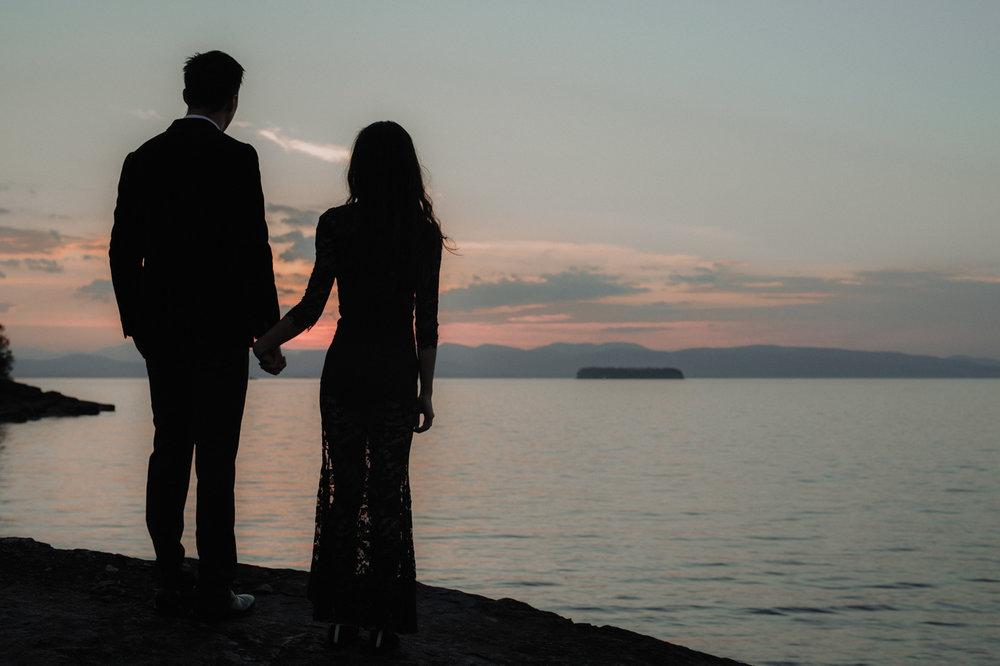 burlington-vermont-waterfront-couple-portraits-14.jpg