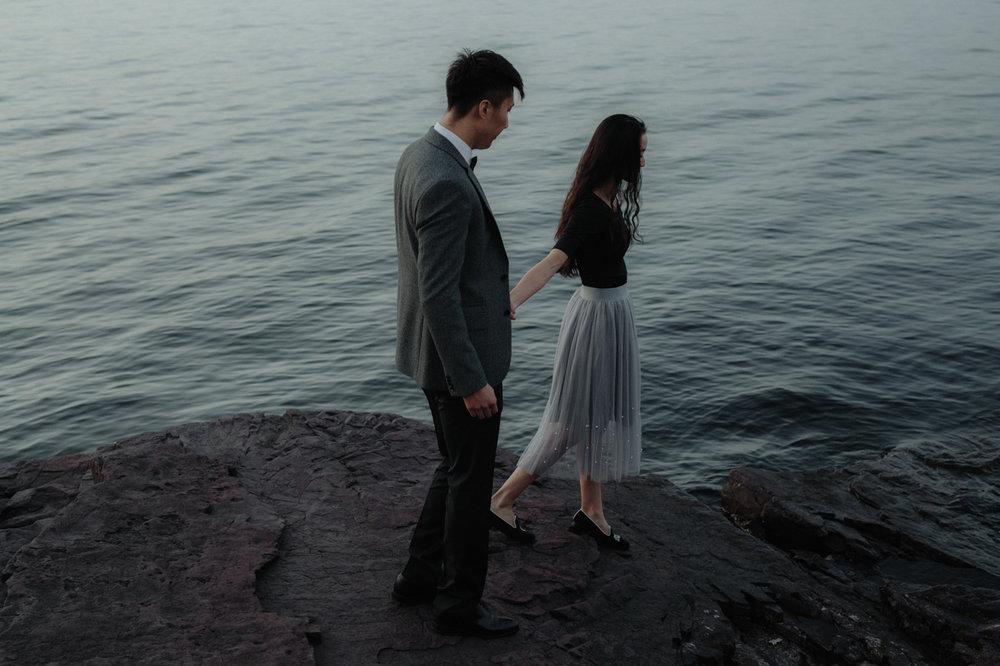 burlington-vermont-waterfront-couple-portraits-18.jpg