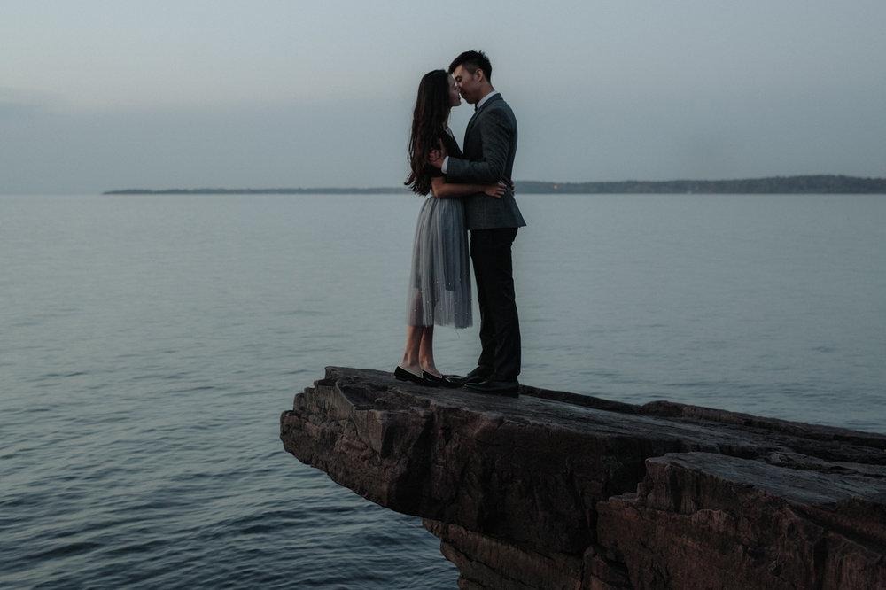 burlington-vermont-waterfront-couple-portraits-22.jpg
