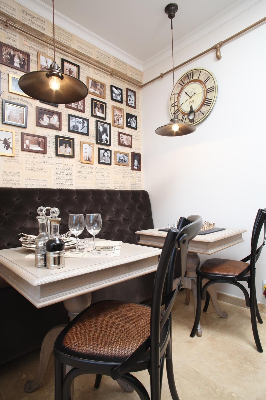 the bistro corner - picture Casa Lux