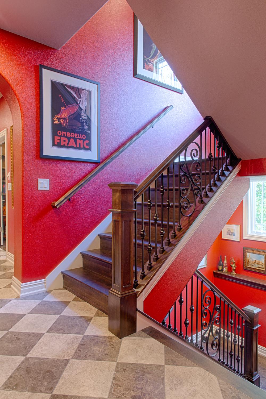 WISEDSGN1824_stairwell2HDR.jpg