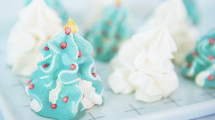 christmas tree meringues - Christmas Tree Meringues
