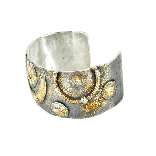 18k Gold Fusion Cuff with Diamonds