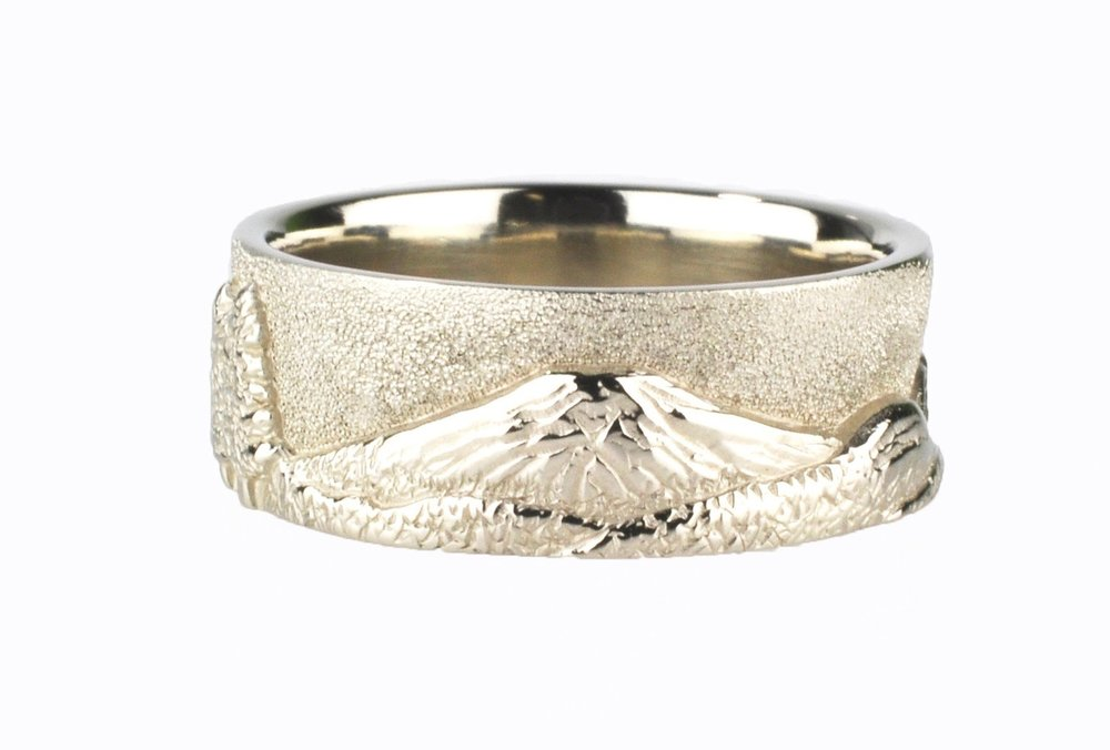 White Gold Bend Horizon Mountain Ring