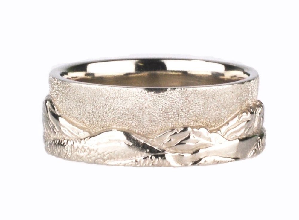 White Gold Bend Horizon Mountain Ring
