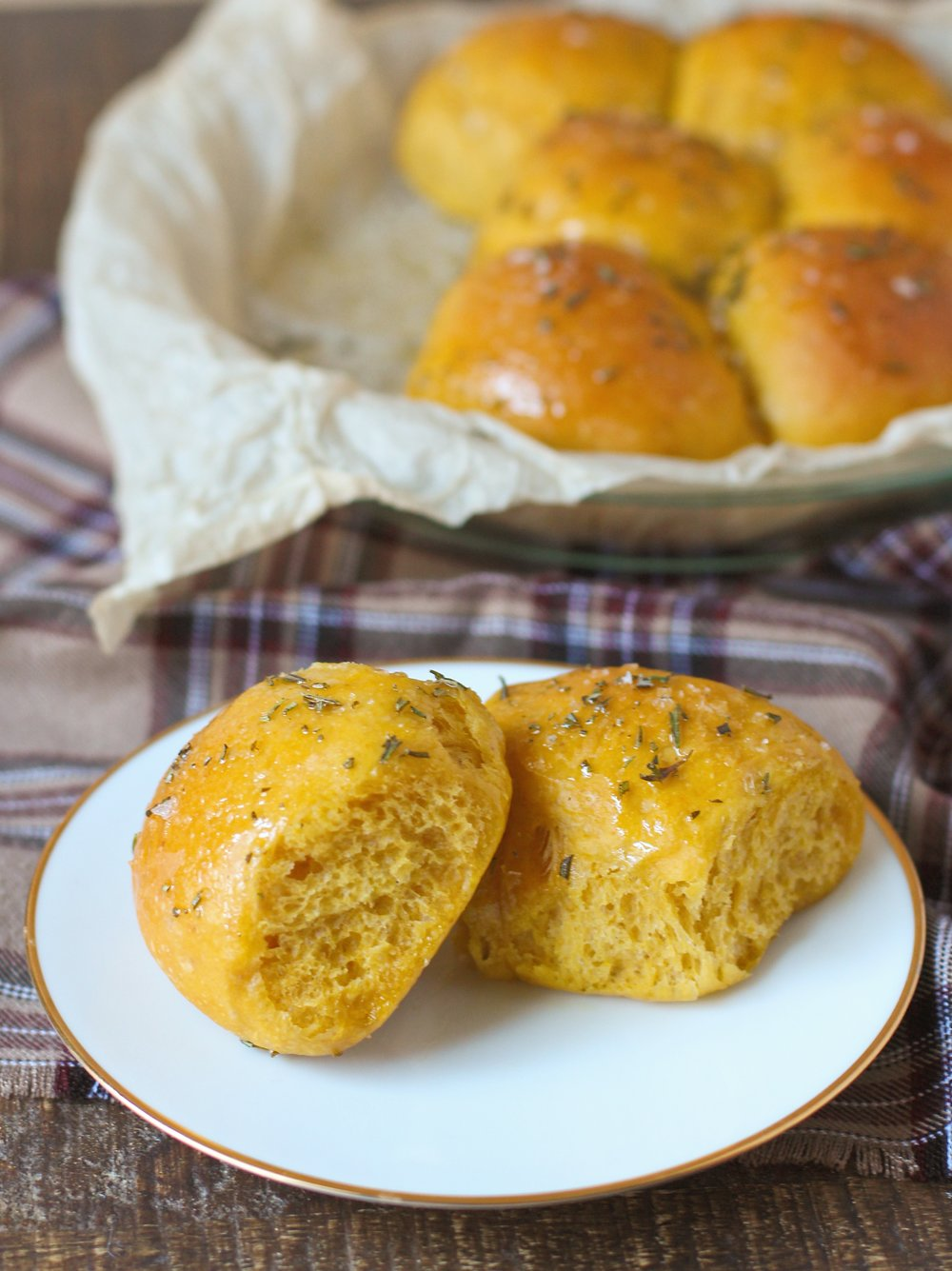 rosemary olive oil pumpkin rolls.JPG