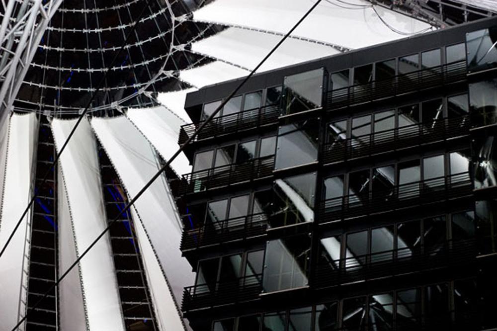 TRAVEL_Sony-Center.jpg